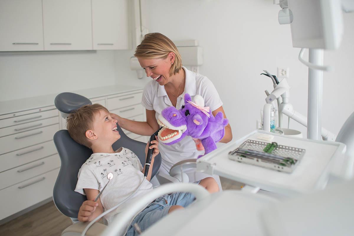 Zahnarzt Menzingen: Zahnarztpraxis Dr. Lea Recoder Baar